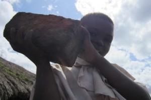 Un ladrillo, un futuro en la República Democrática del Congo